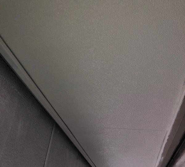 埼玉県春日部市 屋根カバー工法・外壁塗装 付帯部とは 軒天塗装 (1)