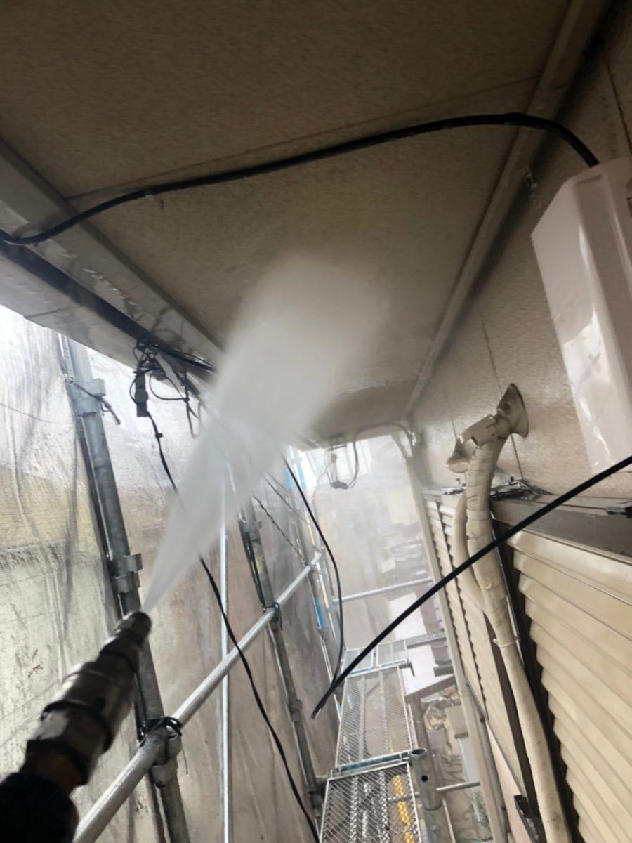 埼玉県春日部市 屋根カバー工法・外壁塗装 屋根カバー工法とは 足場設置~高圧洗浄 (4)