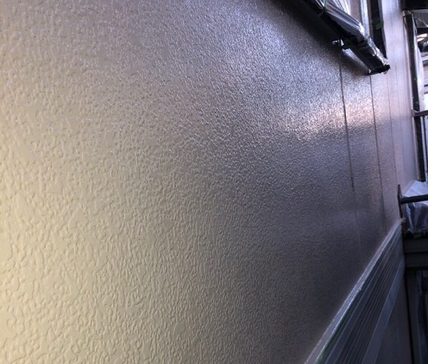 埼玉県春日部市 屋根カバー工法・外壁塗装 中塗り・上塗り エスケー化研 プレミアムシリコン ラジカル制御式 (6)