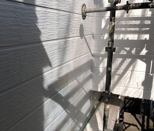 埼玉県越谷市 S様邸 外壁塗装・屋根塗装・付帯部塗装 3度塗りとは 下塗りの役割 (3)