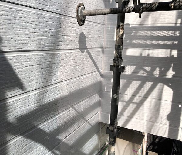 埼玉県越谷市 S様邸 外壁塗装・屋根塗装・付帯部塗装 3度塗りとは 下塗りの役割 (4)