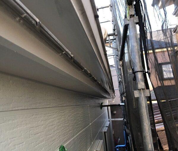 埼玉県越谷市 S様邸 外壁塗装・屋根塗装・付帯部塗装 鼻隠し・破風板塗装 付帯部を塗装する理由とは (4)