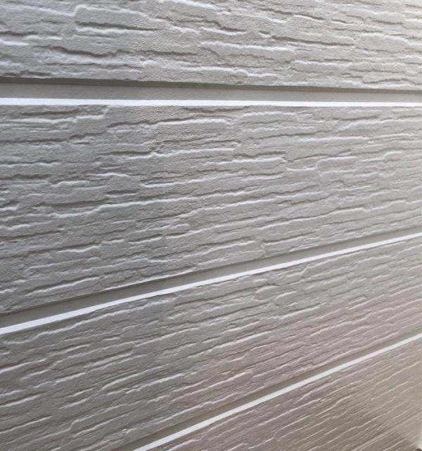 埼玉県越谷市 S様邸 外壁塗装・屋根塗装・付帯部塗装 中塗り・上塗り エスケー化研 エスケープレミアムシリコン (3)