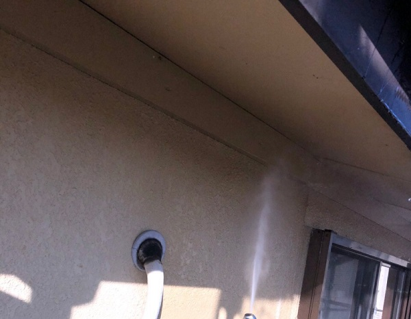 埼玉県鴻巣市 屋根塗装・屋根カバー工法・外壁塗装 下地処理 高圧洗浄 (3)