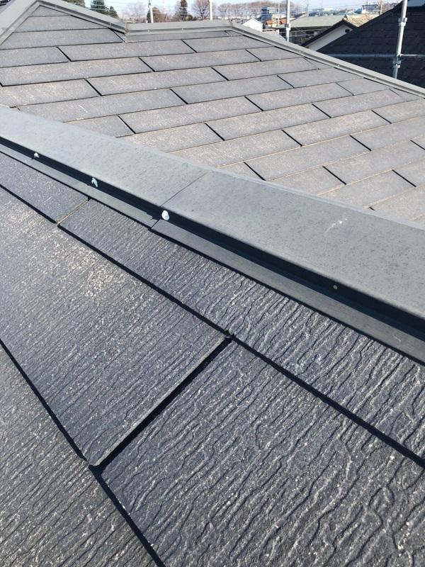 埼玉県上尾市 M様邸 外壁塗装 屋根塗装 シーリング(コーキング)工事 ボードの継ぎ目 棟板金の釘の補強 (5)