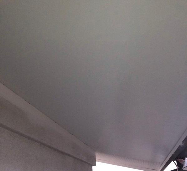 埼玉県鴻巣市 F様邸 屋根塗装・屋根カバー工法・外壁塗装 軒天塗装 軒天の色 (1)