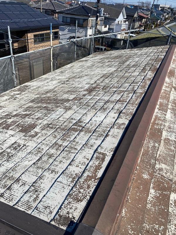埼玉県鴻巣市 屋根塗装・屋根カバー工法・外壁塗装 施工前の状態 塗膜の剥がれ 錆び (2)