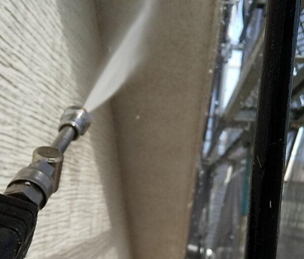 埼玉県久喜市 H様邸 屋根塗装・外壁塗装・付帯部塗装 高圧洗浄の目的とは 塗装しない場所も洗浄します! (19)