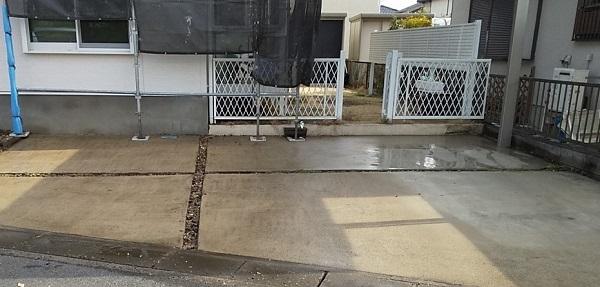埼玉県久喜市 H様邸 屋根塗装・外壁塗装・付帯部塗装 高圧洗浄の目的とは 塗装しない場所も洗浄します! (1)