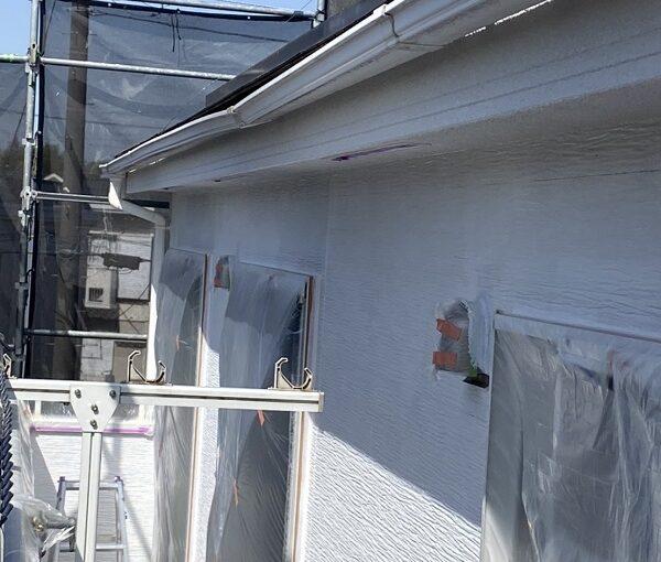 埼玉県久喜市 屋根工事 施工前の状態② 棟板金の浮き 雨樋の歪み 屋根材の欠け、割れ (5)