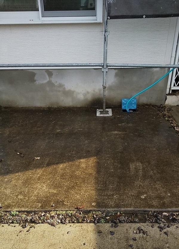 埼玉県久喜市 H様邸 屋根塗装・外壁塗装・付帯部塗装 高圧洗浄の目的とは 塗装しない場所も洗浄します! (11)