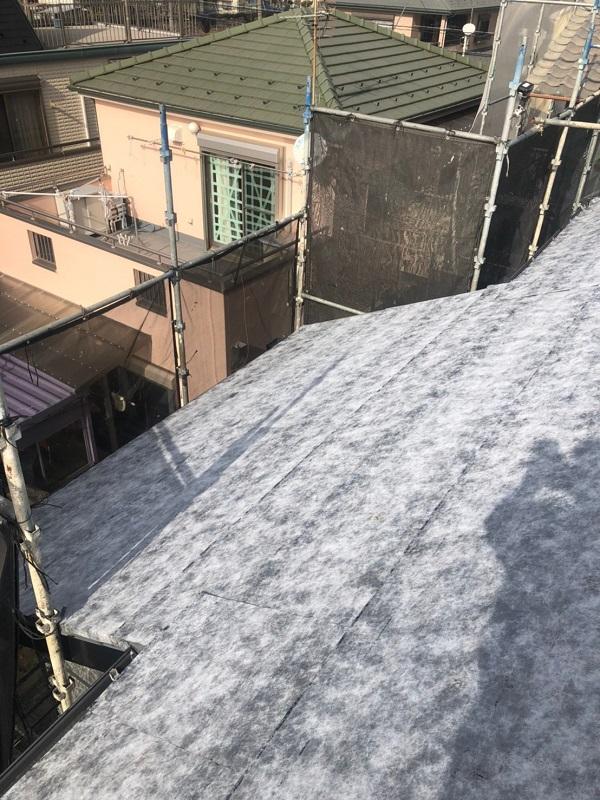 千葉県市川市 屋根葺き替え工事 防水シート(ルーフィング)張り 屋根材設置 ガルバリウム鋼板 (5)