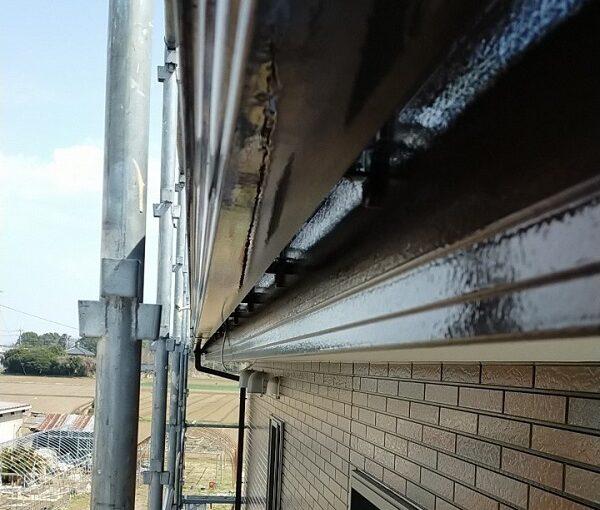 茨城県古河市 Y様邸 外壁塗装・付帯部塗装 破風、雨樋塗装 塗膜の劣化を放置すると (13)