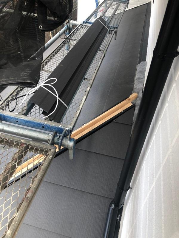 千葉県市川市 屋根葺き替え工事 防水シート(ルーフィング)張り 屋根材設置 ガルバリウム鋼板2 (1)
