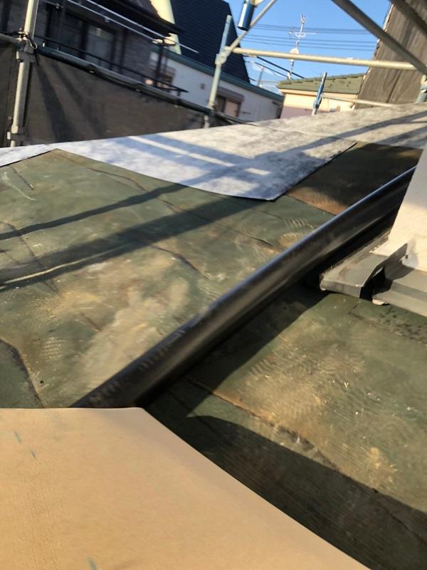 千葉県市川市 屋根葺き替え工事 防水シート(ルーフィング)張り 屋根材設置 ガルバリウム鋼板 (3)
