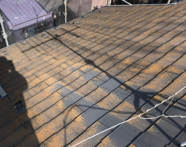 千葉県市川市 屋根葺き替え工事 既存屋根化粧スレート屋根 屋根材撤去 (2)