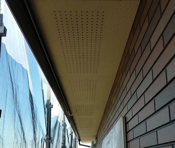 茨城県古河市 Y様邸 外壁塗装・付帯部塗装 軒天塗装 軒天の色 (4)