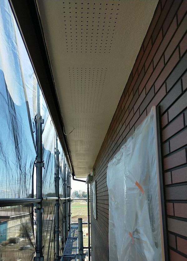 茨城県古河市 Y様邸 外壁塗装・付帯部塗装 軒天塗装 軒天の色 (10)
