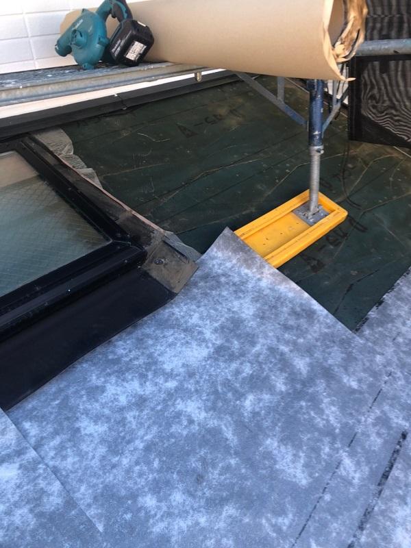 千葉県市川市 屋根葺き替え工事 防水シート(ルーフィング)張り 屋根材設置 ガルバリウム鋼板 (4)