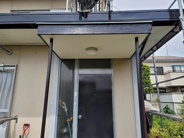 埼玉県北葛飾郡杉戸町 F様邸 屋根塗装・付帯部塗装 玄関ドア、ドア廻り、玄関柱塗装 (1)
