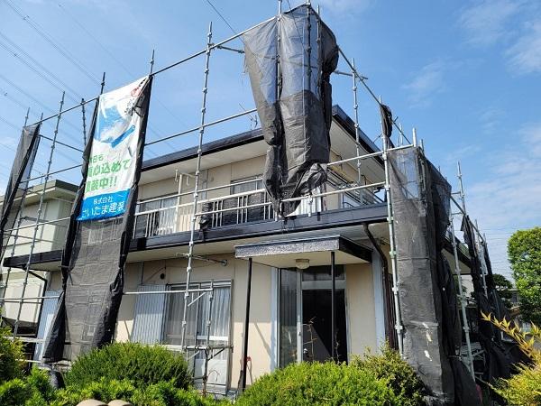 埼玉県北葛飾郡杉戸町 F様邸 屋根塗装・付帯部塗装 足場組み立て 高圧洗浄1