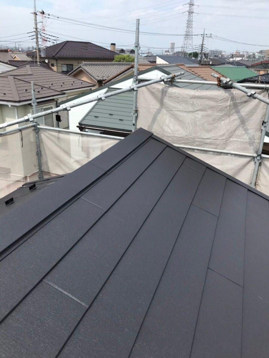 屋根カバー工法の画像